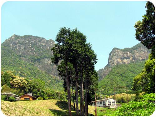 裏からの行縢山